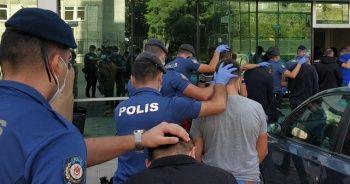 Sokak satıcılarına şafak operasyonunda 6 tutuklama