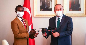 Somalili genç yetenek Abdi, Dışişleri Bakanı Çavuşoğlu'nun desteğiyle Türkiye'de eğitim alacak