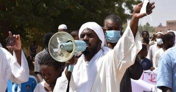 Sudan'da İsrail ile normalleşme ve dini konulardaki reformlar protesto edildi