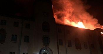 Uganda'da üniversitede yangın