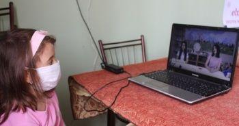 Uzaktan eğitim için köye sınırsız internet bağlattı, kahve okula dönüştü