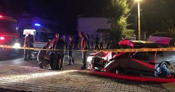Yarış yaptığı iddia edilen motosikletlere otomobil çarptı: 1 ölü, 4 yaralı
