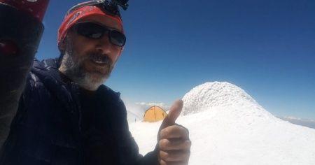 Ağrı Dağı'nın zirvesinde 3 gün 2 gece kalan Dağcı, Türkiye'nin 81 farklı zirvesine tırmanacak