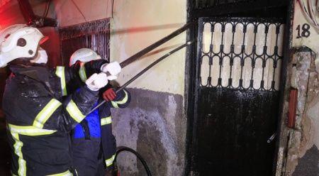 Annesiyle tartıştı, oturdukları evi ateşe verdi