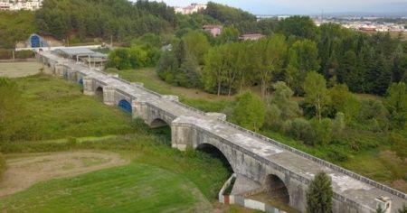 Ayasofya Camii ile eşdeğer sayılan Justinianus Köprüsü bin 500 yıldır ayakta duruyor