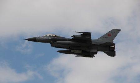 Azerbaycan, Ermenistan'ın F-16 iddiasını yalanladı