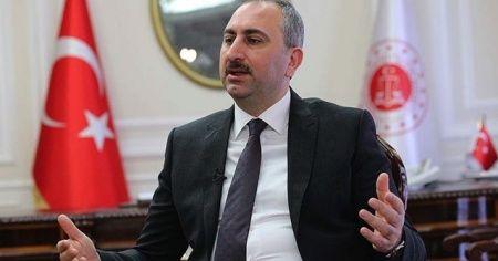 Bakan Gül'den skandal manşete tepki: Yunan makamları bu suça ortak olmamalı