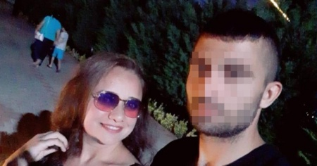 Boşanmak isteyen eşini kalbinden bıçaklayarak öldürdü