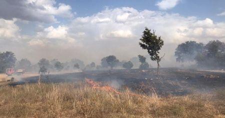 Bozüyük'te 3 ayrı noktada çıkan yangın çevreye zarar vermeden söndürüldü