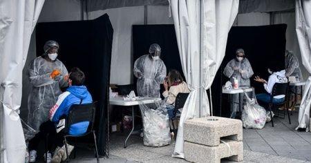 Fransa'da Kovid-19 salgınında günlük vaka sayısında yeni rekor kırıldı