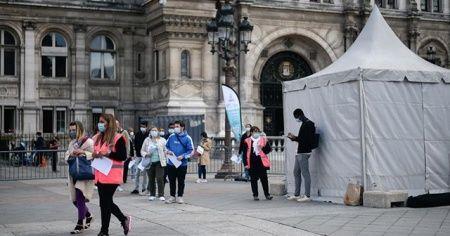 Fransa'da Kovid-19 yasakları gevşetildiğinden bu yana ölü sayısı ilk defa yükseldi