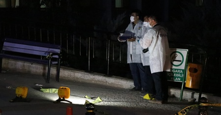 Hamile eşini darbeden komşusu ile kocasını tabancayla yaraladı