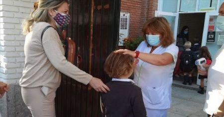 İspanya'da okullarda üç haftada 2852 sınıf Kovid-19'dan kapandı