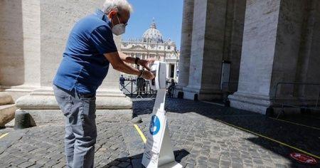 İtalya'da Kovid-19 bulaşanların sayısı 300 bini geçti