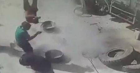 Kamyon lastiği patlayınca tamirci havaya fırladı