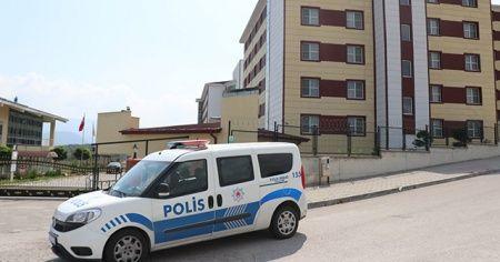 Karantinayı ihlal eden 2 kişi gezerken yakalandı
