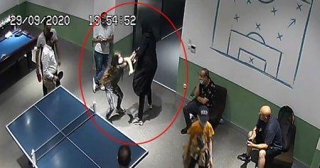 Maske uyarısı yapan 10 yaşındaki kızı darp ettiler
