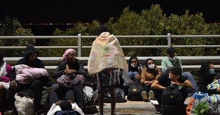 Moria'da sığınmacıların büyük bölümü kampa yerleştirildi