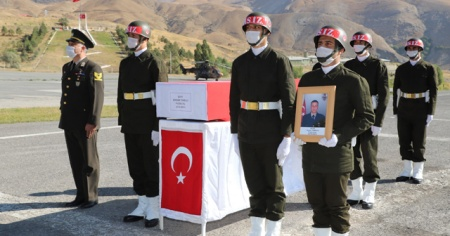 Mühimmat patlaması sonucu şehit düşen askerimize uğurlama töreni