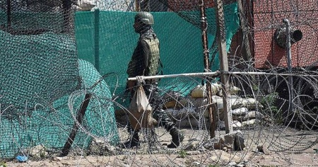 Pakistan: Keşmir'de biri asker 2 kişi öldü