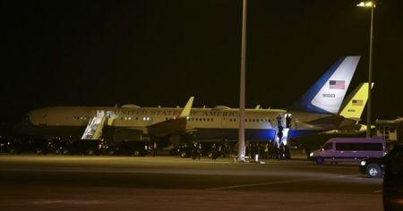 Pence'in uçağı zorunlu dönüş yaptı
