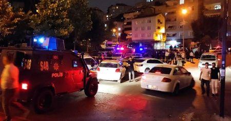 Polis ekiplerine balkondan ateş açıldı
