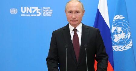 Putin'den BM personeline ücretsiz Rus koronavirüs aşısı önerisi