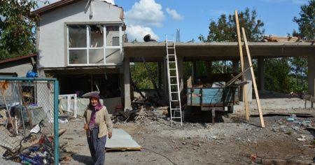 Sinop'ta evi yanan aile yardım bekliyor