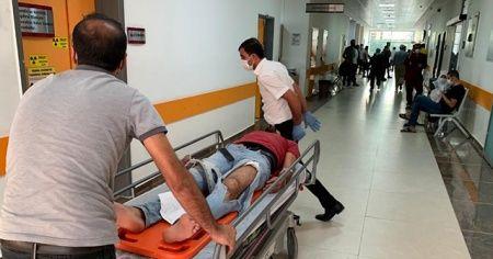 Tabela işçilerin üzerine düştü: 2 yaralı