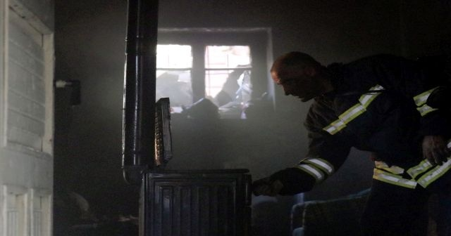 Afgan mültecilerin kaldığı evde yangın