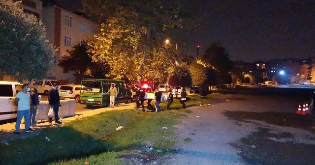 Bağcılar'da bir kişi silahla vurulmuş halde ölü bulundu