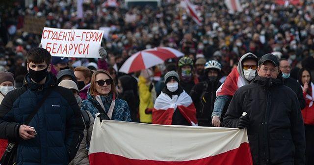 Belarus'ta protestocular ile polis arasında arbede