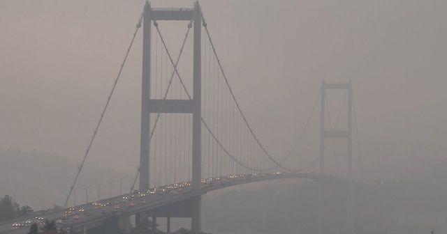 İstanbullular güne sisli bir havayla uyandı