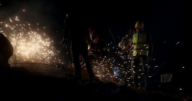 İzmir depreminde arama kurtarma çalışmaları devam ediyor