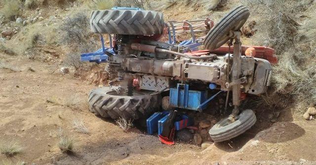 Kontrolden çıkan traktör uçuruma yuvarlandı