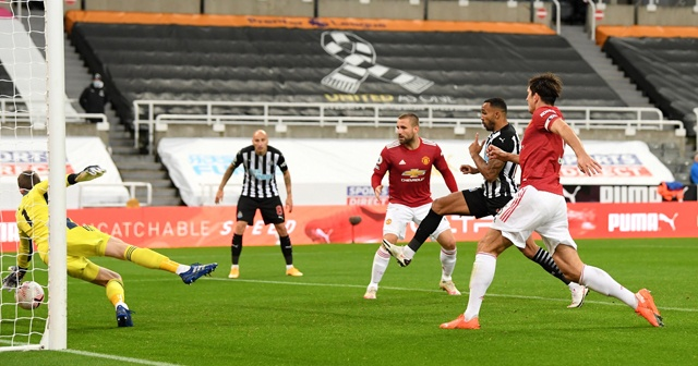 Manchester United, deplasmanda farklı kazandı