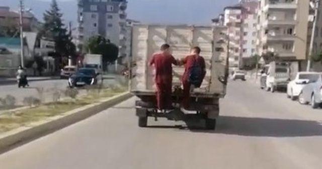 Öğrencilerin tehlikeli yolculuğu