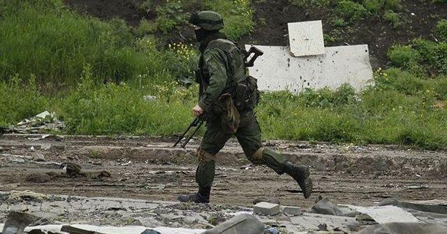 Ayrılıkçıların saldırılarında 2 Ukrayna askeri öldü