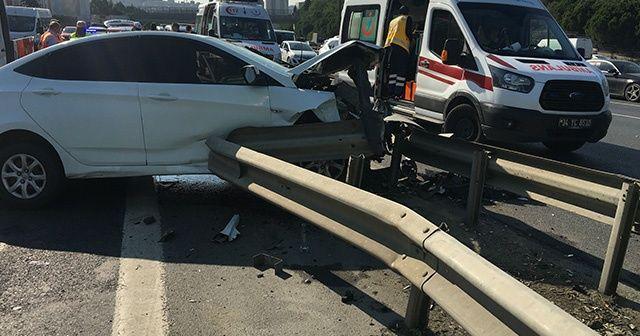 TEM'de kaza: 2'si polis 5 yaralı
