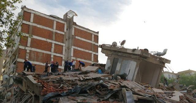 Yıkılan binadan 7 kişi kurtarıldı