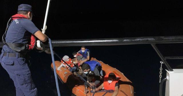 Yunanlılar geri itti, Türk Sahil Güvenlik kurtardı