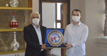 'Uçan Araba' tasarımı ile Türkiye birinciliği ödülü aldılar