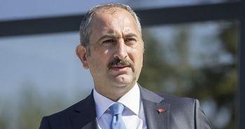 Adalet Bakanı Gül: Avrupa'daki İslam düşmanlığı endişe verici