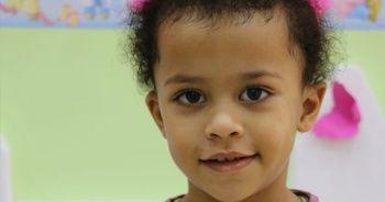 Annesini balkonda bekleyen çocuk hayatını kaybetti