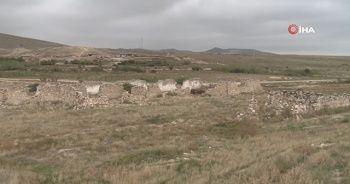Azerbaycan, işgalden kurtarılan köyün görüntülerini paylaştı