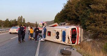 Bilecik'te ambulans çekiciye çarptı: 2 yaralı