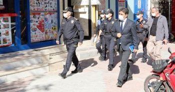 Burdur Valisi: Vakaların yüzde 65'i virüsü akrabalarından kapmışlardır