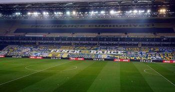 Fenerbahçe taraftarından dev pankart