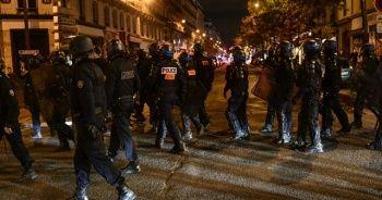Fransa'da sokaklar karıştı!