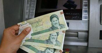 İran'da dolar ilk kez 30 bin tümeni aşarak yeni bir rekor kırdı